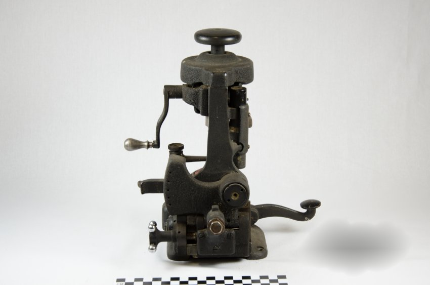 American Optical Lens Cutter-5