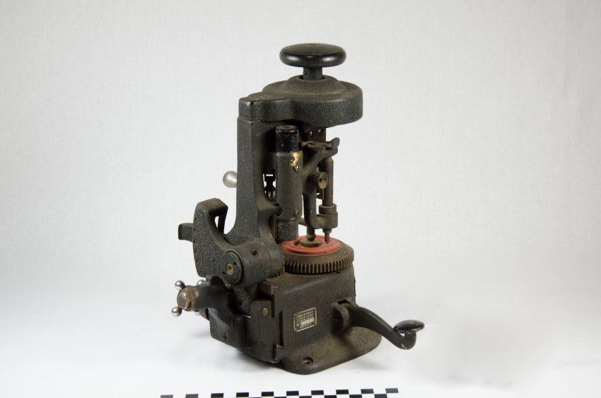 American Optical Lens Cutter-6