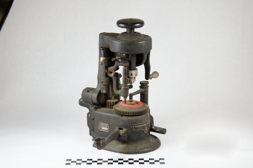 American Optical Lens Cutter-8